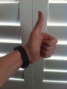fitbit thumbs up